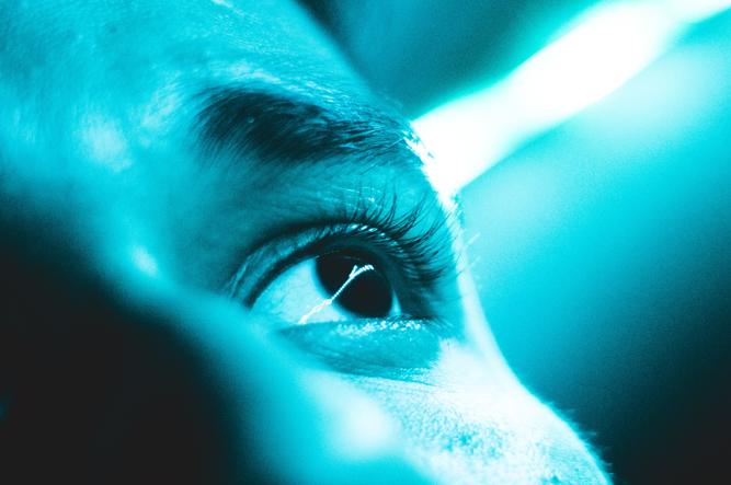blue light eyes